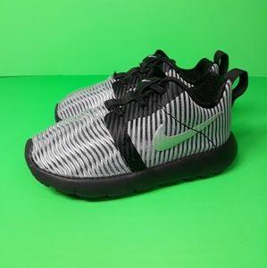 Nike Air Roshe Flight Metallic Sneakers Sz 6C